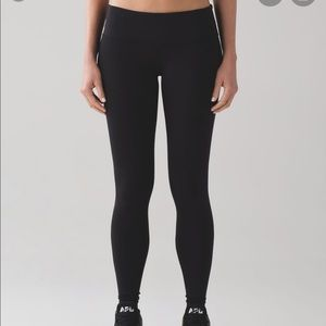 Lululemon black legging sz 4